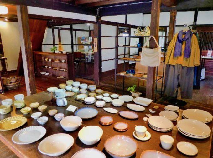 山口県萩市の雑貨カフェ「晦事(ことこと)」の店内写真2