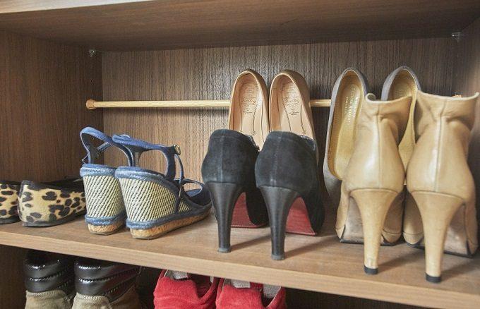 つっぱり棒を使った靴箱収納方法1