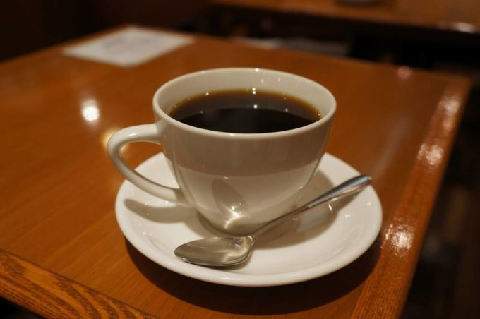 ハンドドリップで淹れるこだわりのコーヒーもおすすめ