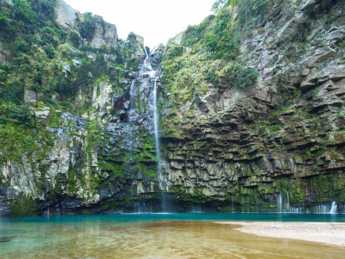 鹿児島県南大隅町のパワースポットが「雄川の滝」2
