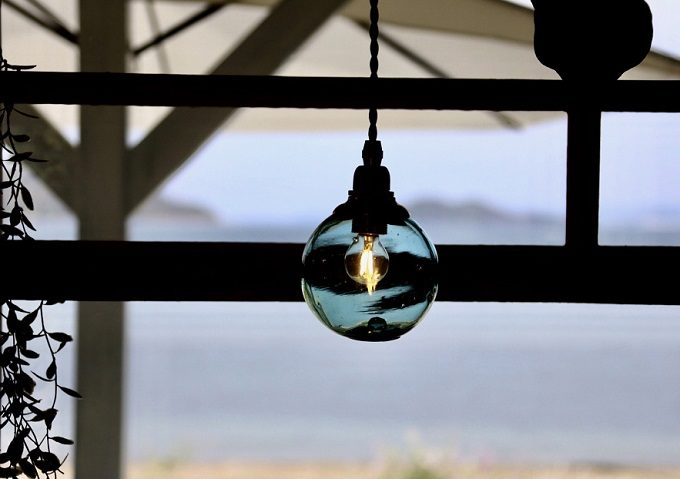 「CLASSICO セトウチ珈琲」の照明