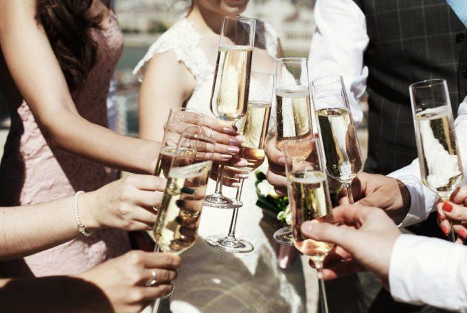 お洒落で便利な結婚式の新スタイル。最近注目が集まる「Web招待状」とは