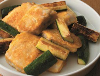 前仕込みで簡単。フライパンでサッと焼くだけの「かじきのピカタ」