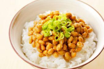 組み合わせると整腸作用がアップ。納豆と一緒に食べると良い食材3選