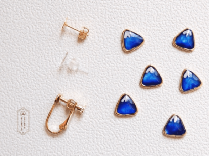 浴衣にもおすすめ、手作り製作所「シー・エトワール」の三角アクセサリー、選べる金具