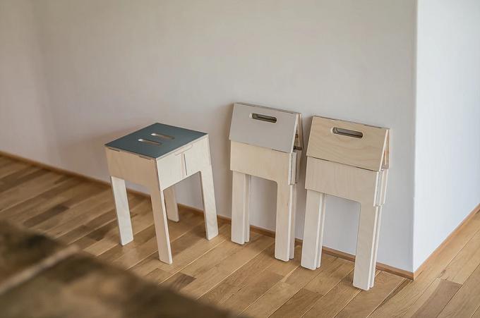 アトリエヨクトの折りたたみ式スツール「PATTAN-stool」