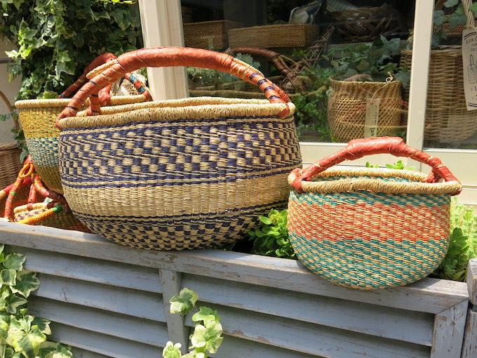 ファッションにもインテリアにも使える、かご専門店「menui」のかごバッグ2