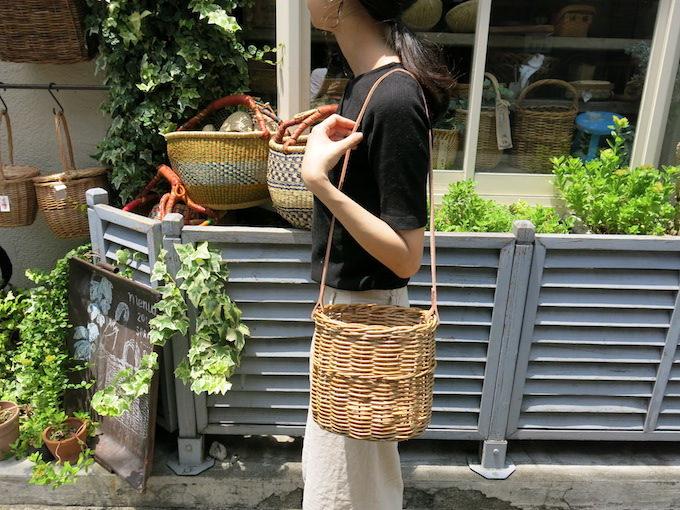 ファッションにもインテリアにも使える、かご専門店「menui」のショルダーかごバッグ
