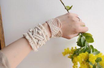 大人の夏の装いに。「結ぶ」という手法で生み出される「Tami」のブレスレット