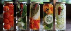 山口県の萩の地元野菜を使った瓶詰めの「萩野菜ピクルス」