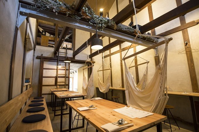 富山県「hammock cafe Amaca(ハンモックカフェ アマカ)」の店内写真