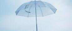 「+TIC LITE(プラスチック ライト)」の「さびない、つよい。長く使える傘」1
