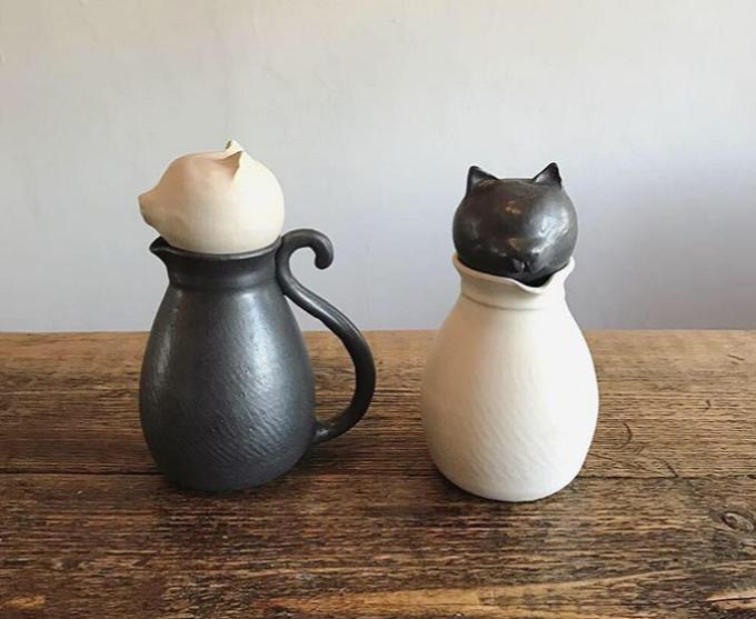 「暮縞」の猫型ポット