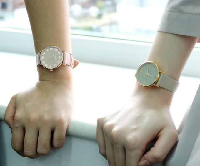 ニュアンスカラーが上品な「nuwl」の腕時計1
