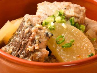 サバ缶と薄切り大根でさっと作れる。奥深い味わいの「サバ缶と大根の柚子味噌󠄀煮」