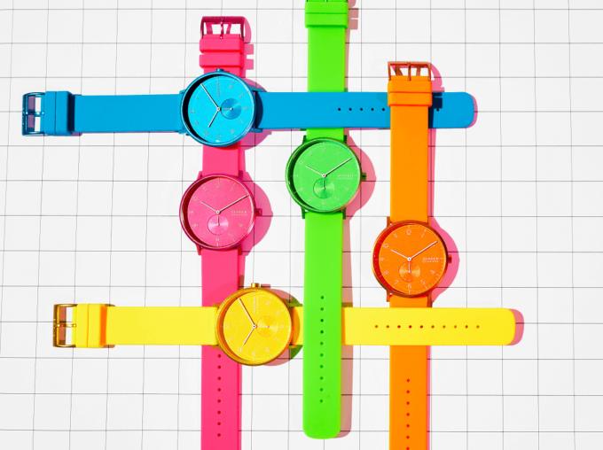 夏におすすめ、「SKAGEN(スカーゲン)」のネオンカラーの腕時計1