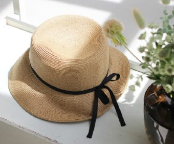 おしゃれでかわいい。大人女性におすすめの夏を楽しむストローハット<5選>