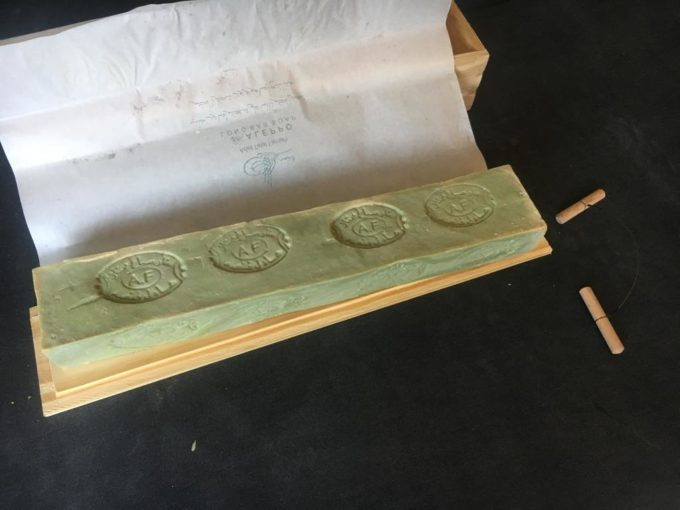 シリアで生産される「アレッポの石鹸」ロングバー2