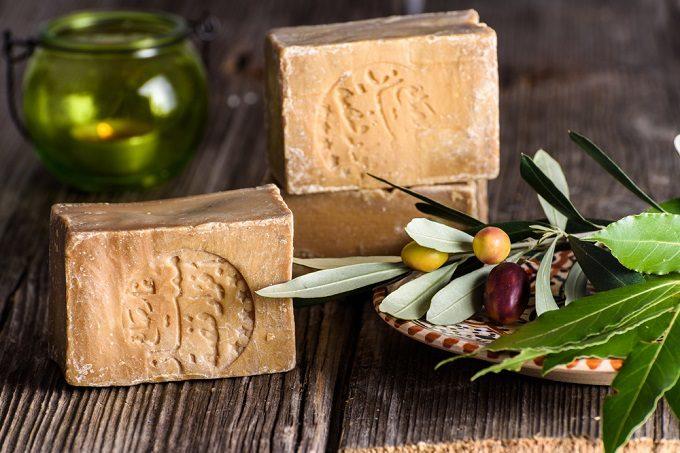 シリアで生産される無添加石鹸「アレッポの石鹸」