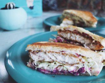 沖縄ならではのラフテーや紅芋のサンドウィッチが新鮮。「BUY ME STAND OKINAWA」
