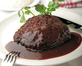 手でこねないのが美味しくなるコツ!肉汁あふれる本格「ハンバーグステーキ」