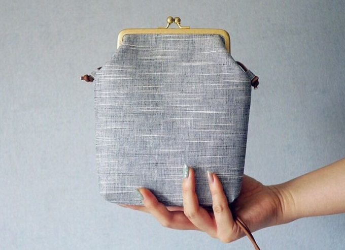 「duca -textile-」の会津木綿を使ったがま口ポーチ