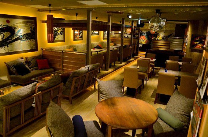 池袋の「atari CAFE&DINING」の店内写真