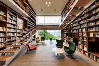 1万2千冊の本に囲まれる。とびきり贅沢な空間で読書を楽しむ、大人の秘密基地「箱根本箱」