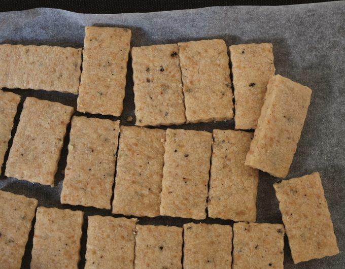 無添加焼菓子「レリーサ」の黒こしょうのクッキー