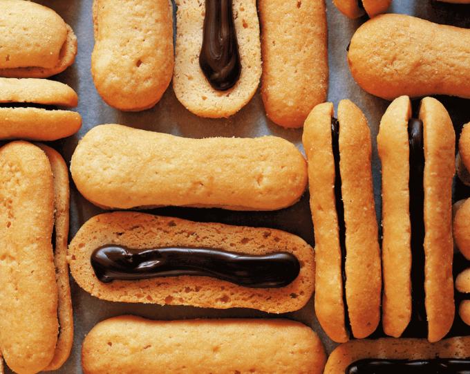 無添加焼菓子「レリーサ」のチョコレートサンドクッキー