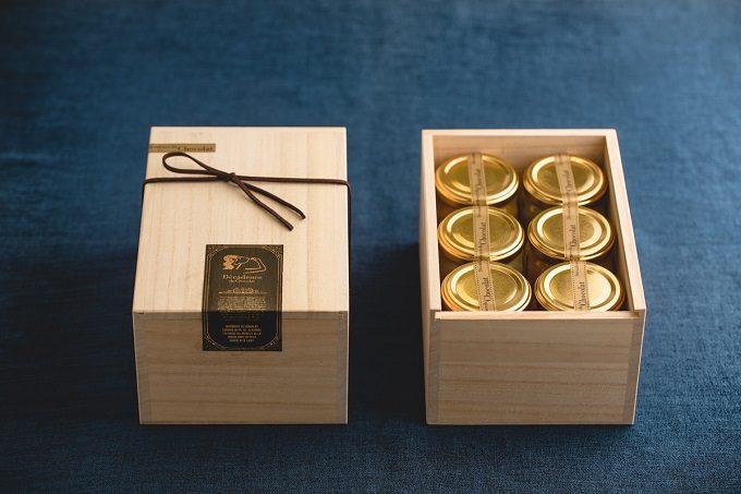 生搾りフルーツゼリーの上品な桐箱
