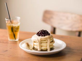 もちもち食感&なめらかなクリームに病みつき。紅茶の香り広がるタピオカパンケーキ