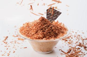 口の中でふわっと溶けて、濃厚な味わいが広がる。稀少なカカオで作られたチョコレートかき氷