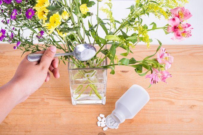 切り花を長持ちさせる方法、花を長く楽しむための延命剤
