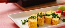 おつまみにもおすすめの「チーズ入り洋風だし巻き玉子」レシピ