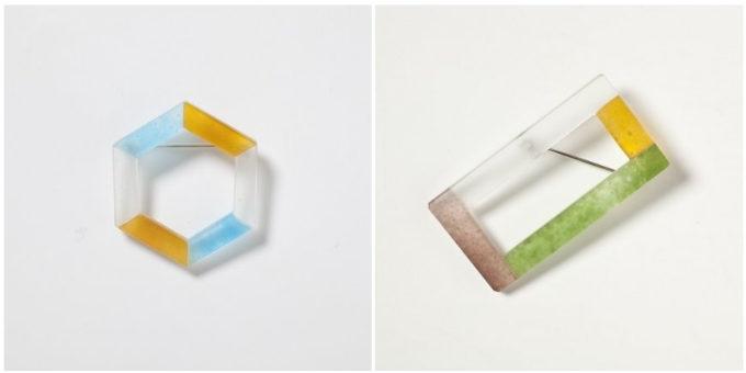 ガラス作家、藤本咲さんの六角形と四角のブローチ
