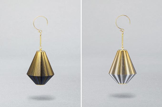 紙と金箔で生み出された「ikue」のダイヤ型のピアス
