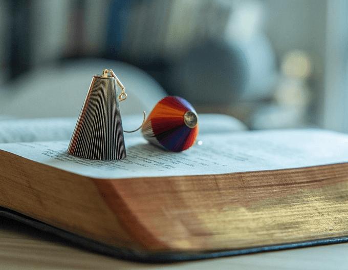 紙と金箔で生み出される「ikue」のピアス3