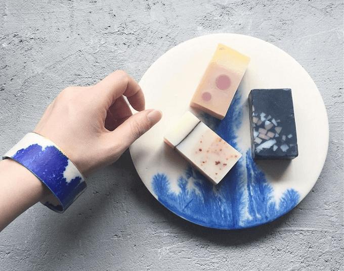 「MISHIM POTTERY CREATION(ミシンポタリークリエイション)」の陶製アクセサリー、バングル1