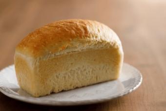 体に優しくておいしい。整腸作用も期待できる驚きの「あさニコ」食パン