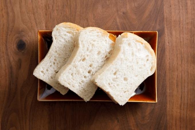 整腸作用も期待できる「あさニコ」食パンをスライスしたところ