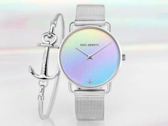 夏らしい色合いで装いに華を。上品に輝く「PAUL HEWITT」のホログラム腕時計