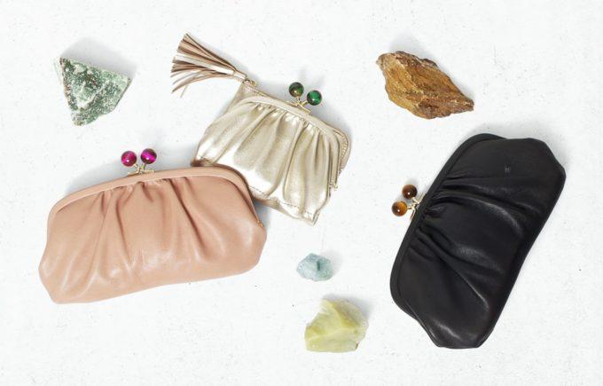 天然石が付いた「perche(ペルケ)」のがま口のレザー財布1