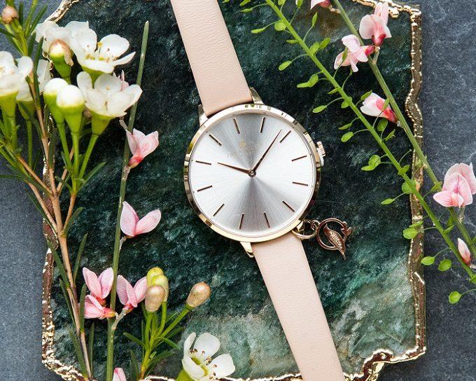 華やかで女性らしい「サラミラーロンドン」の腕時計4