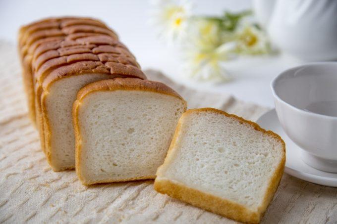健康的な素材とお米の味にこだわったグルテンフリーの「魚沼ごはんパン」1