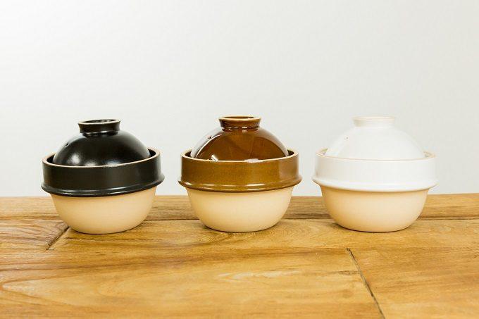 火加減調整なしに米が炊ける、益子焼の土鍋「kamacco」3色