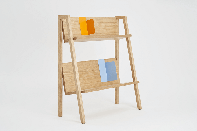 「軽くてオープンな本棚」というコンセプトで作られた、「FULLSWING」のBOOK RACK