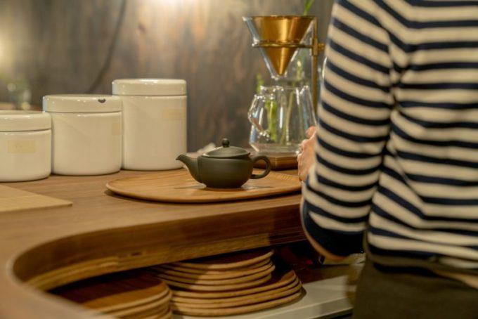 千駄木の居心地のよい古民家カフェ「雨音茶寮」のキッチン風景
