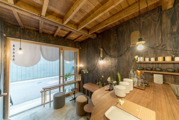 千駄木の居心地のよい古民家カフェ「雨音茶寮」の内観2