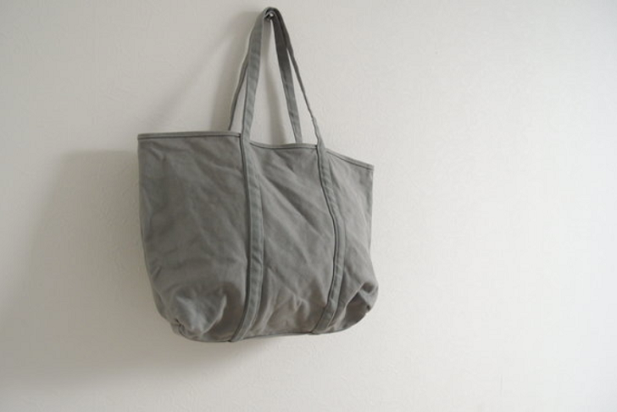 柔らかな風合いとベイクドカラーが魅力の「BLUESTORE's」の帆布トートバッグ3